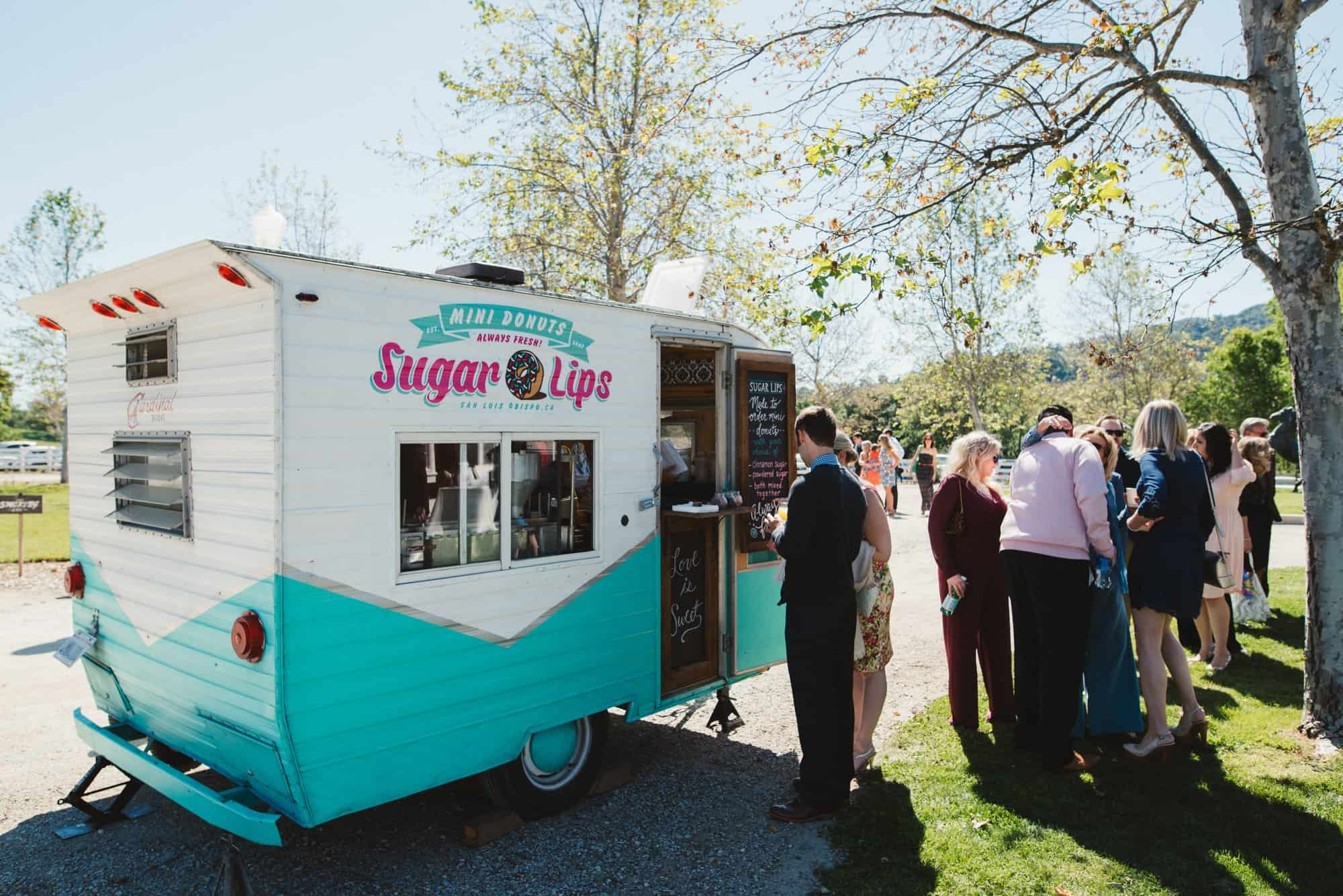 sugar lips wedding donuts