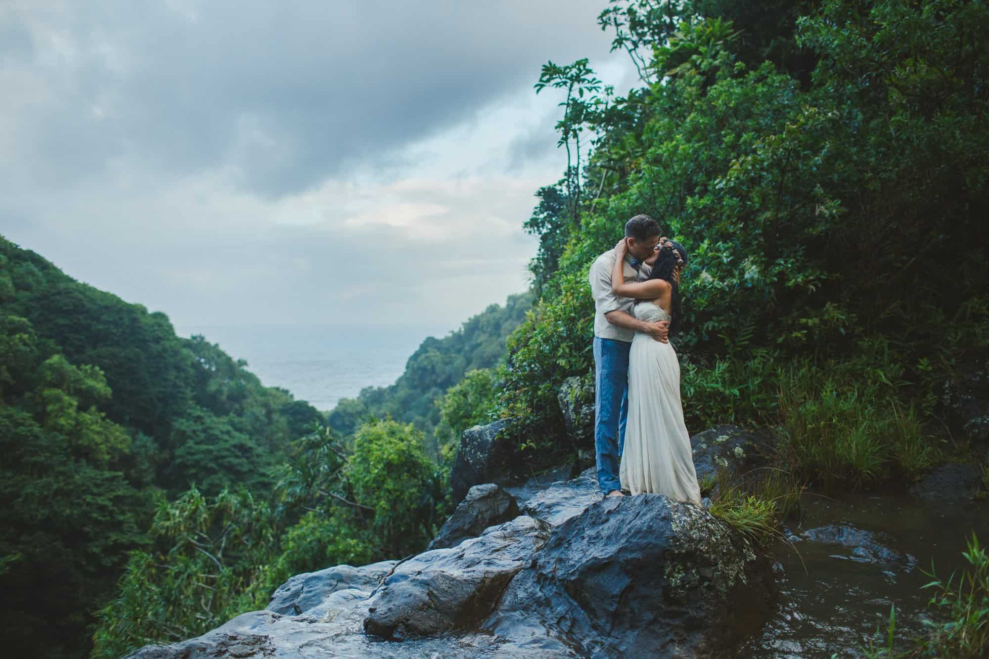 hawaii waterfall wedding